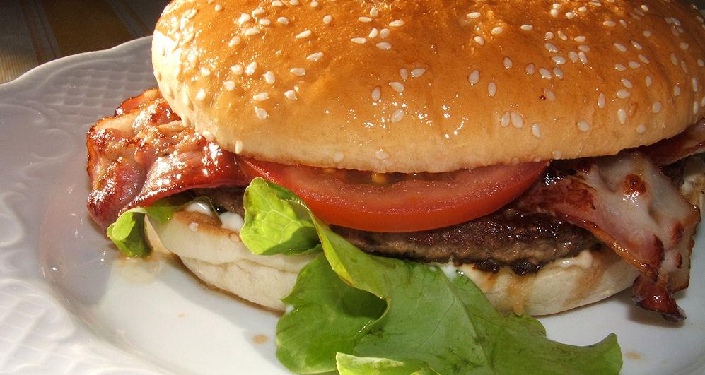 Burger-für-slideshow-Photo-by-R_by_H.-Kroh_www.pixelio.de_