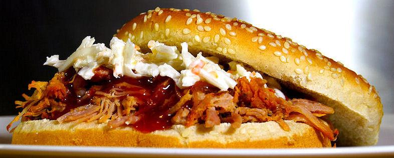 Burger-Grilled-Porc-SLIDESHOW-MASTER-R_K_B_by_christian-alex_www.pixelio.de_2